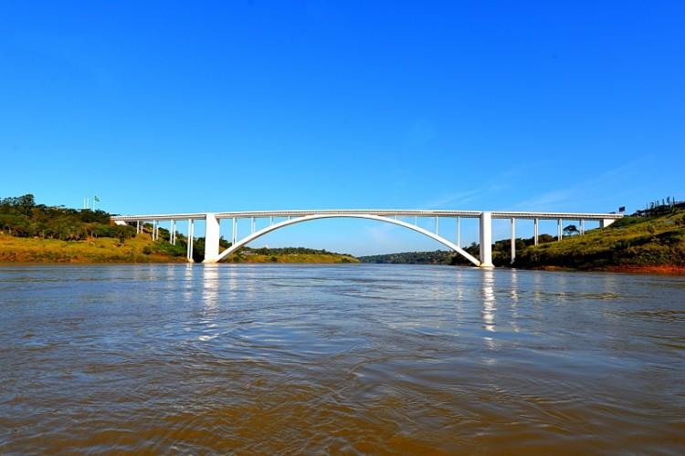 Encontro das Águas - Um maravilhoso passeio pelas águas dos rios Paraná e Iguaçu
